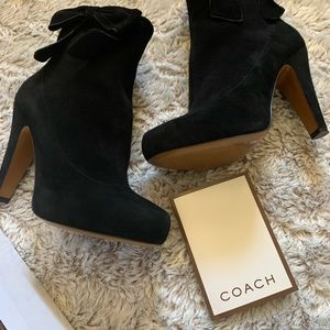 Coach booties with bows 7.5